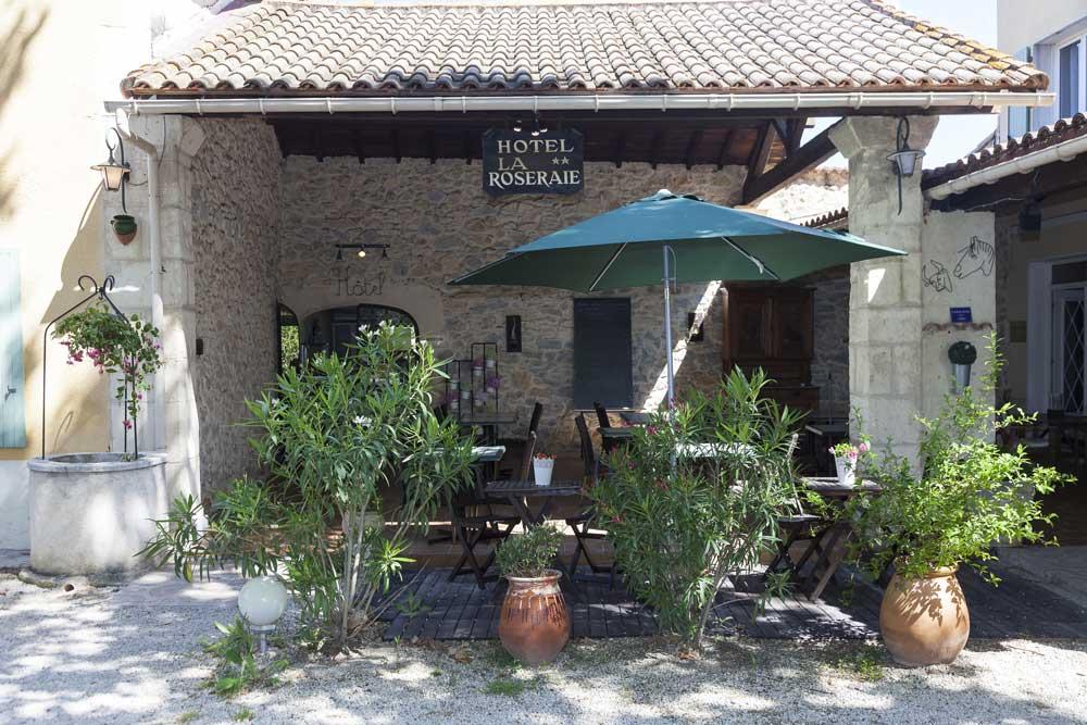Le-Mas-de-la-Roseraie---Arles---Façade